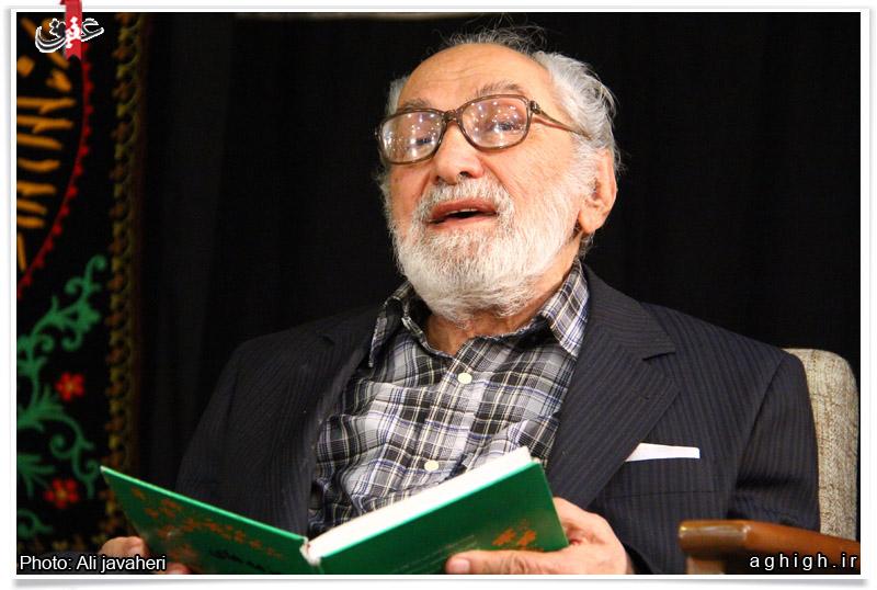 فیلم/ شعرخوانی مرحوم حبیب الله چایچیان در محضر رهبر انقلاب