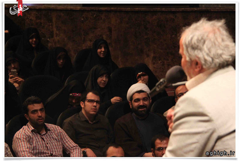 حجت الاسلام شهاب مرادی و حاج علی انسانی در کلاس مجردها